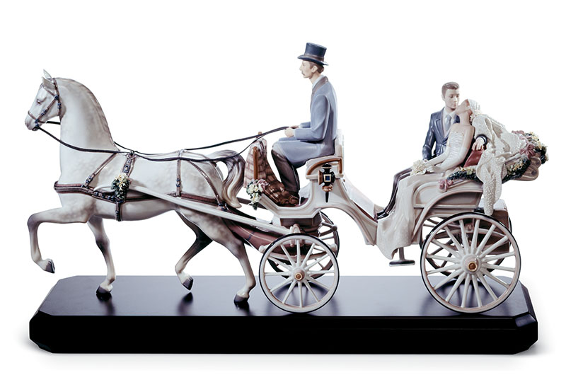 Bridal Carriage Couple by Lladro Thailand