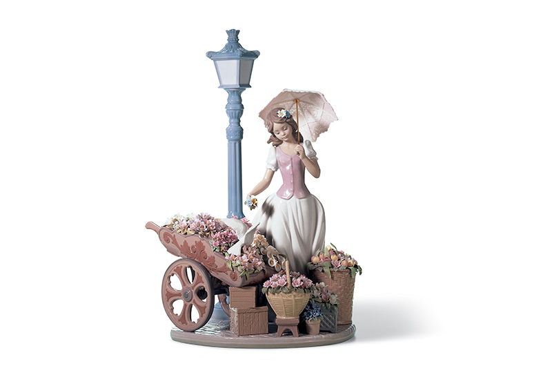 Flowers for everyone by Lladro Thailand