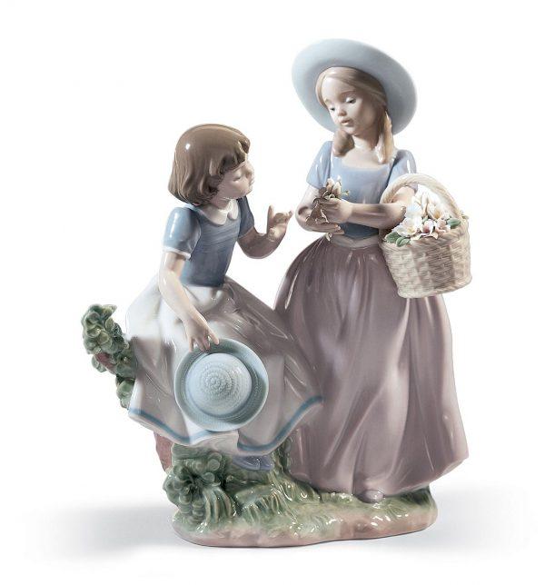 Girlfriends Figurine