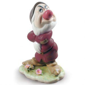 Grumpy Snow White Dwarf